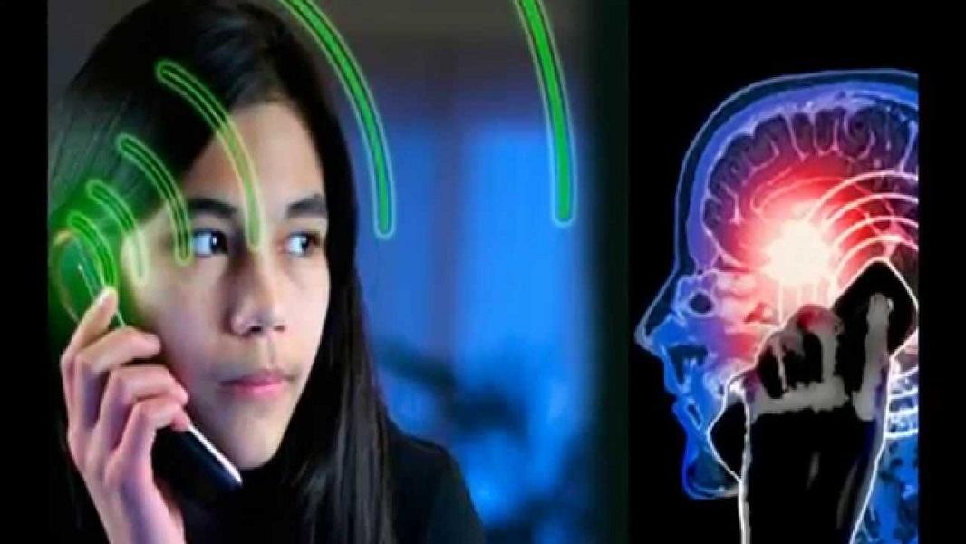 Tips Meminimalkan Efek Buruk Radiasi Ponsel bagi Kesehatan
